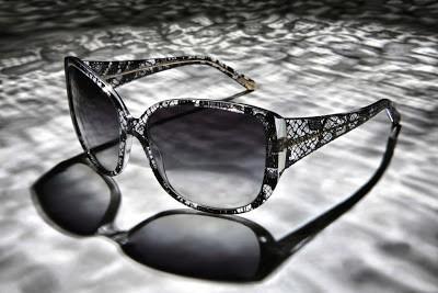 Be feminine, put lace on glasses!