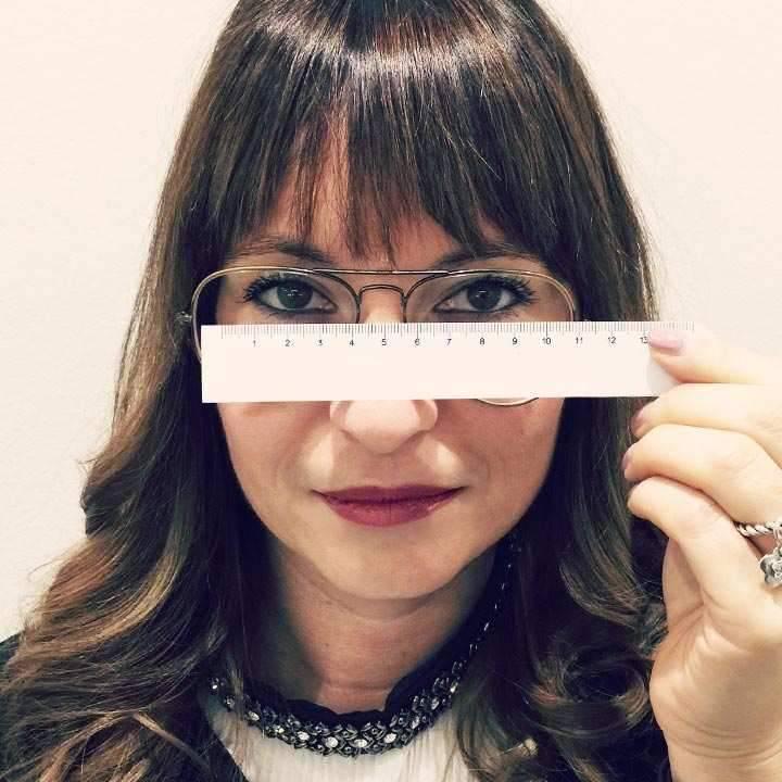Tips for choosing eyeglass sizes
