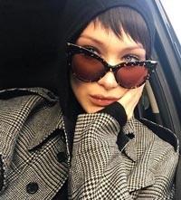 Bella Hadid - Max Mara MM ANITA